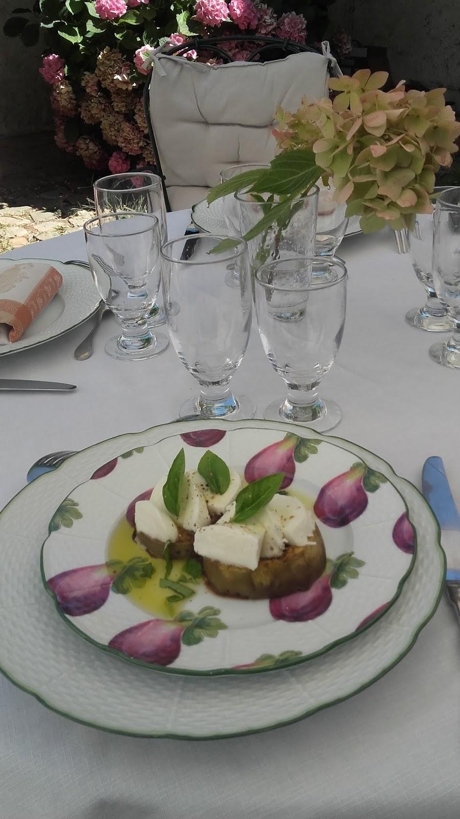 Même Pour Un Déjeuner Ordinaire J En Profite Toujours Dresser Une Très Belle Table Avec Menu De Saison