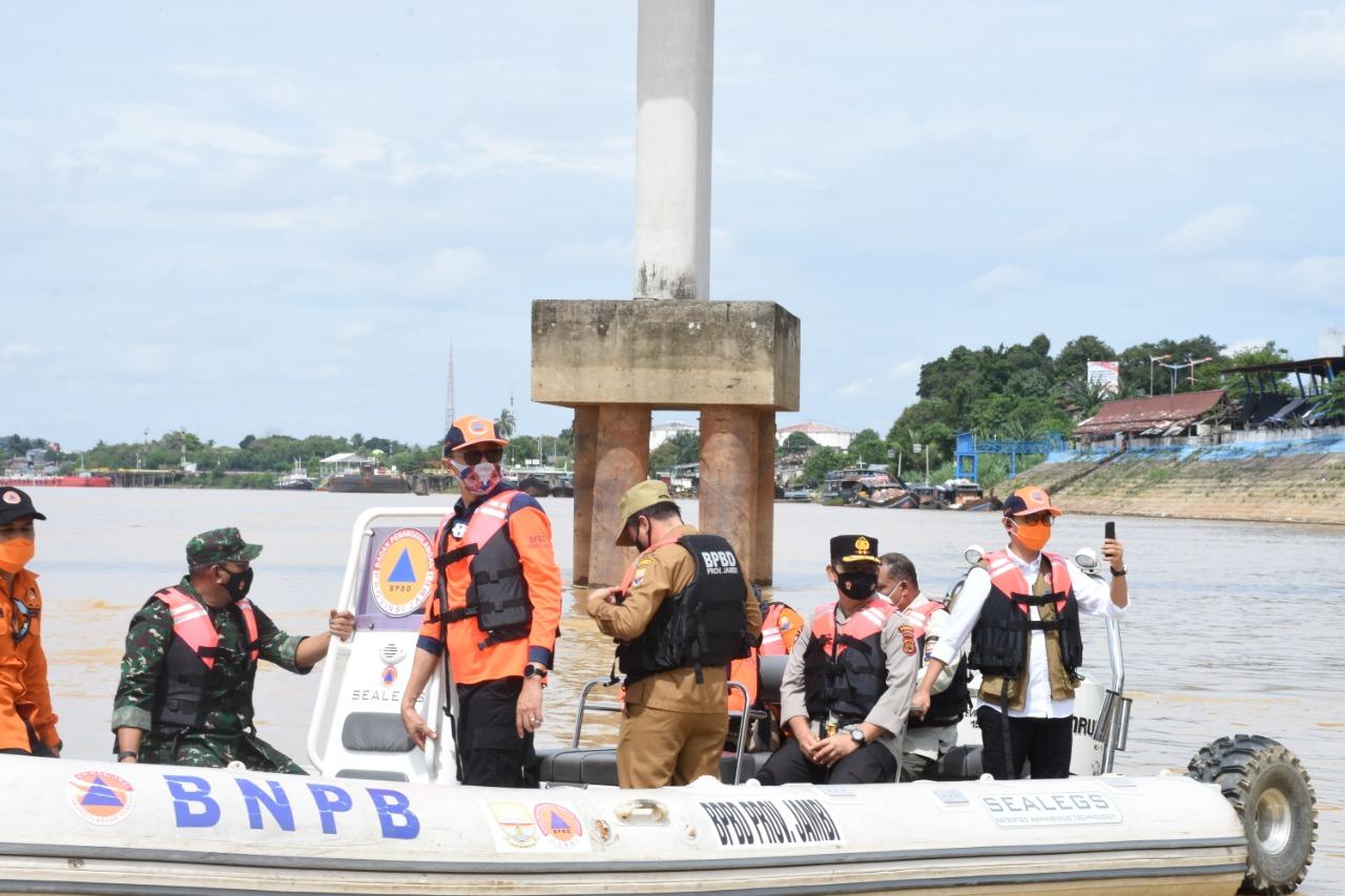 Antisipasi Banjir, Kapolda Jambi Cek Ketinggian Air Sungai Batanghari