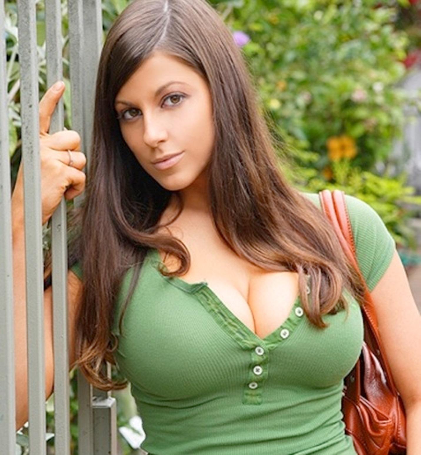 Gianna Michaels - Boobpedia - Encyclopedia of big boobs