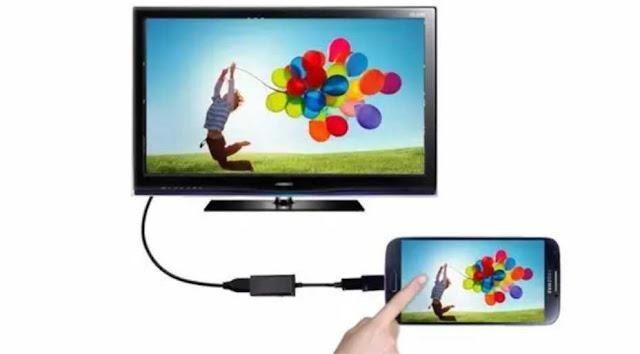 Cara Menghubungkankan Layar HP Android ke TV - Seringkali, kita memerlukan dimensi layar yang lebih besar saat kita sedang mengakses konten dari HP Android, seperti saat menonton film, memutar video, atau bermain game.