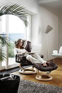 comfortable stressless recliner
