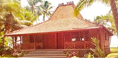 contoh Rumah Adat Jawa Timur mirip joglo