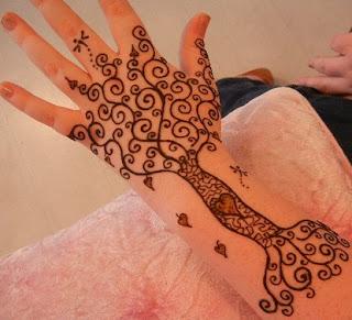 tato henna telapak tangan