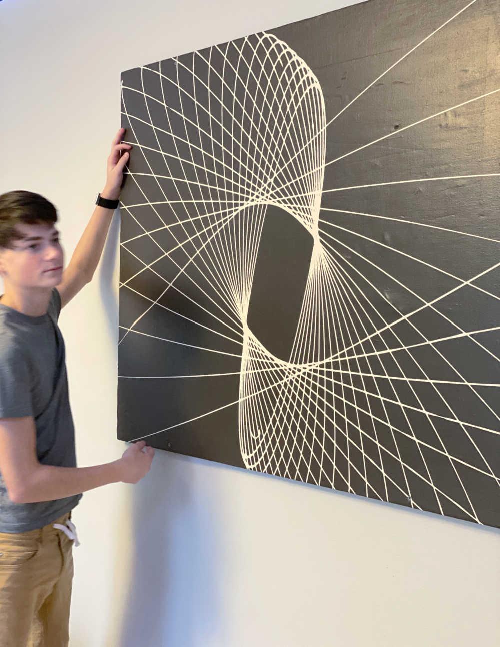 DIY pendulum wall wart