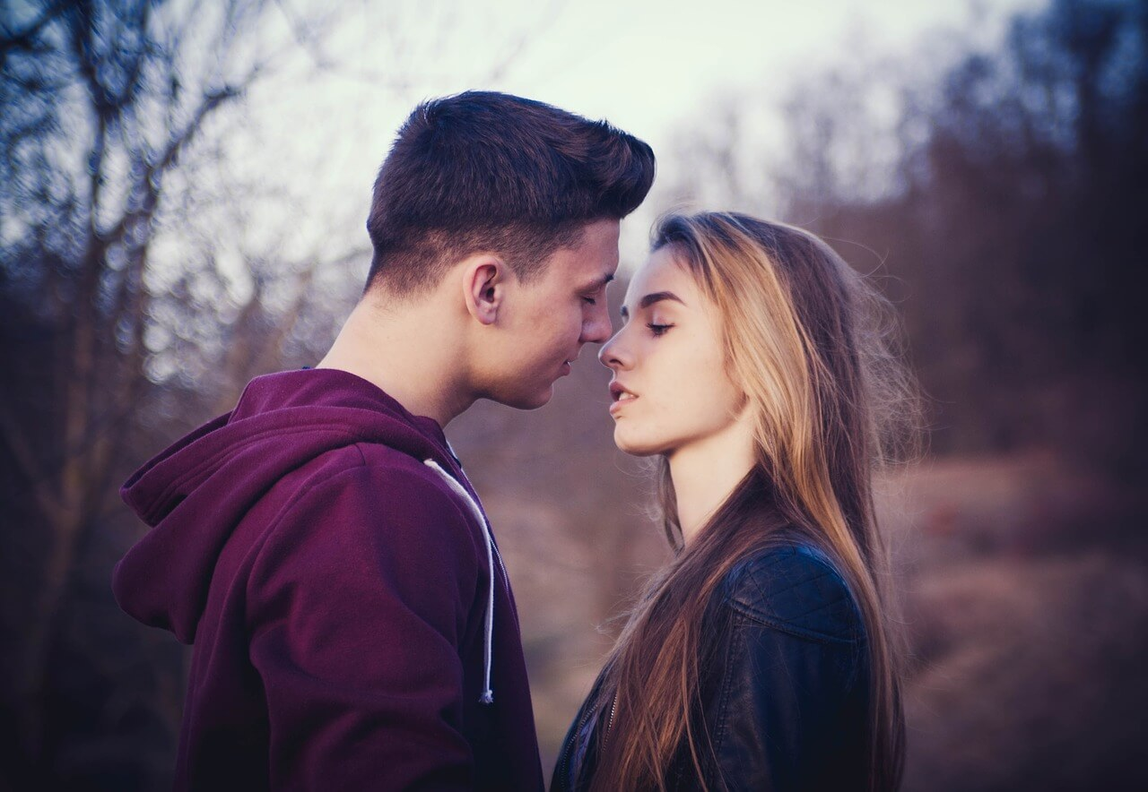 Happy Kiss Day Quotes Wishes For Boyfriend