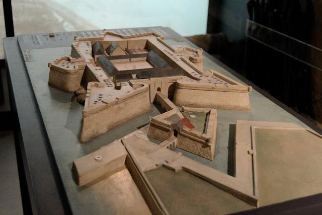 Photo de la maquette de la citadelle à l'origine