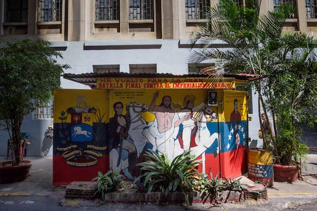 Crónica EFE: Y Chávez forjó a Bolívar