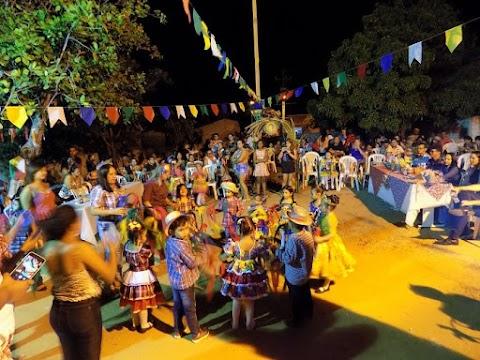 Arraiá da Ambrosina celebra São João com crianças e famílias no bairro São José