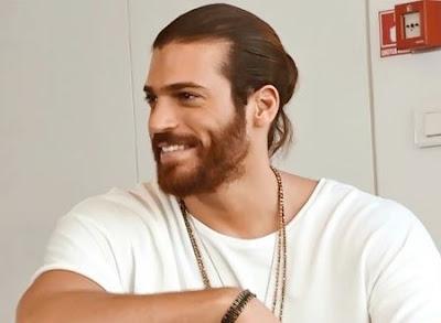 النجم التركي جان يامان يثير غضب جمهوره بعد ترحيبه بعرض مسلسله في اسرائيل