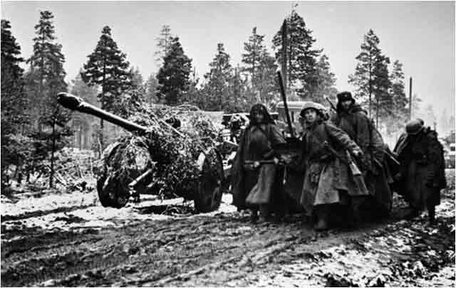 Soviet artillery near Leningrad, 1 November 1941 worldwartwo.filminspector.com