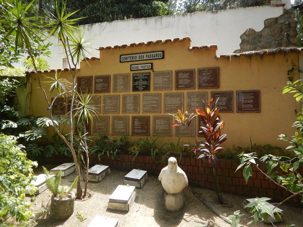 Cemitério dos Pássaros em Paquetá