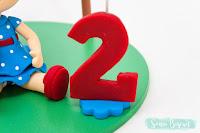 biscuit topo de bolo menininha menina festa junina galinha pintadinha