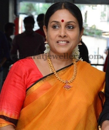 Ponvannan: Saranya Ponvannan Antique Short Necklace