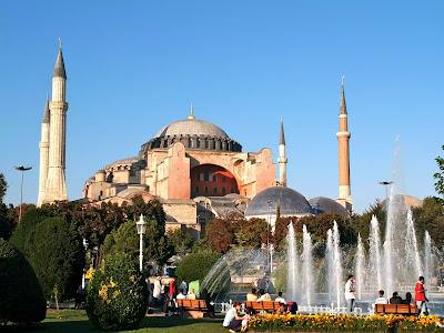 Hagia Sofia Kembalikan Berstatus Mesjid Kembali oleh Erdogan