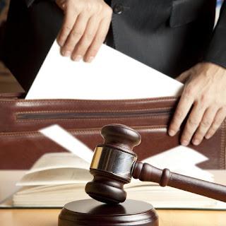 حكم قضائي عراقي في قانون الخدمة المدنية - العمال بأجور يومية