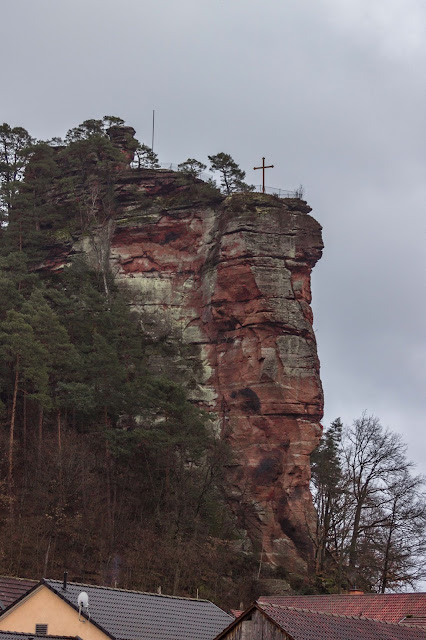 Felsenland Dahn  Wanderung Burgruine Altdahn – Jungfernsprung 13