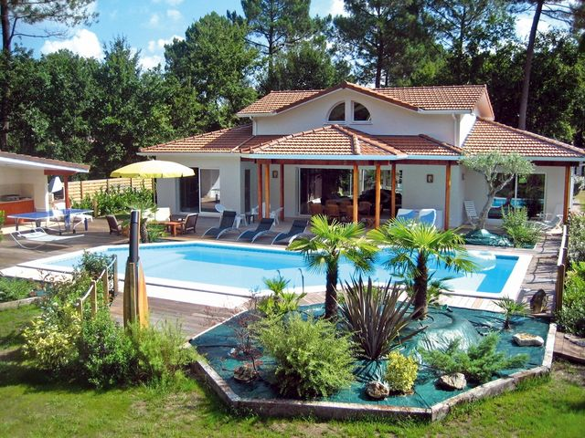 Superb High Quality Villas Rentals Holiday