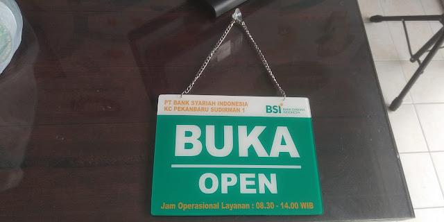 Plang Nama Buka/Tutup BANK
