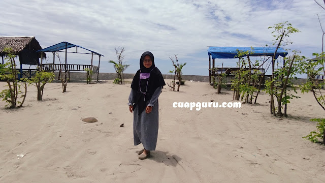 Wisata Pantai di Kota Bengkulu