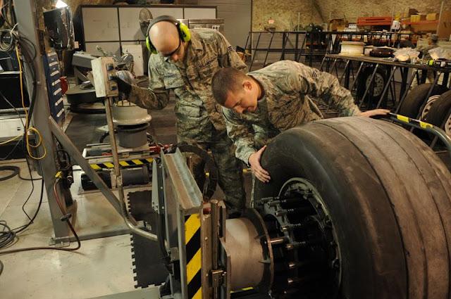 Aircraft landing gear tyres