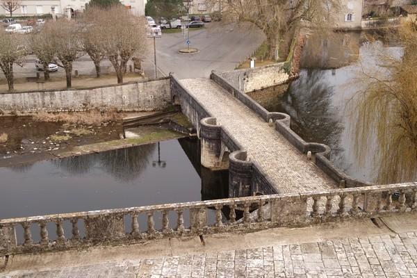 charente château la rochefoucauld pont tardoire