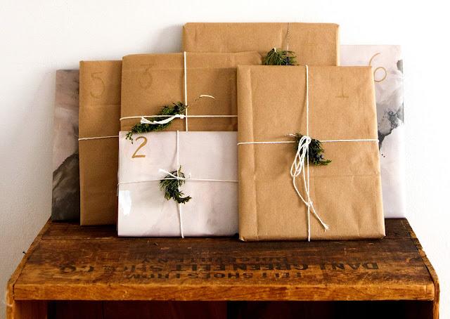 book advent calendar - kalendarz adwentowy dla dziecka - kalendarz adwentowy z książek - pakowanie prezentów świątecznych