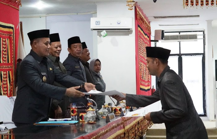 Plt Bupati Lampung Selatan Sampaikan Ranperda Pertanggungjawaban Pelaksanaan APBD 2018, Realisasi dan Pembiayaan Capai 2,188 Triliun.