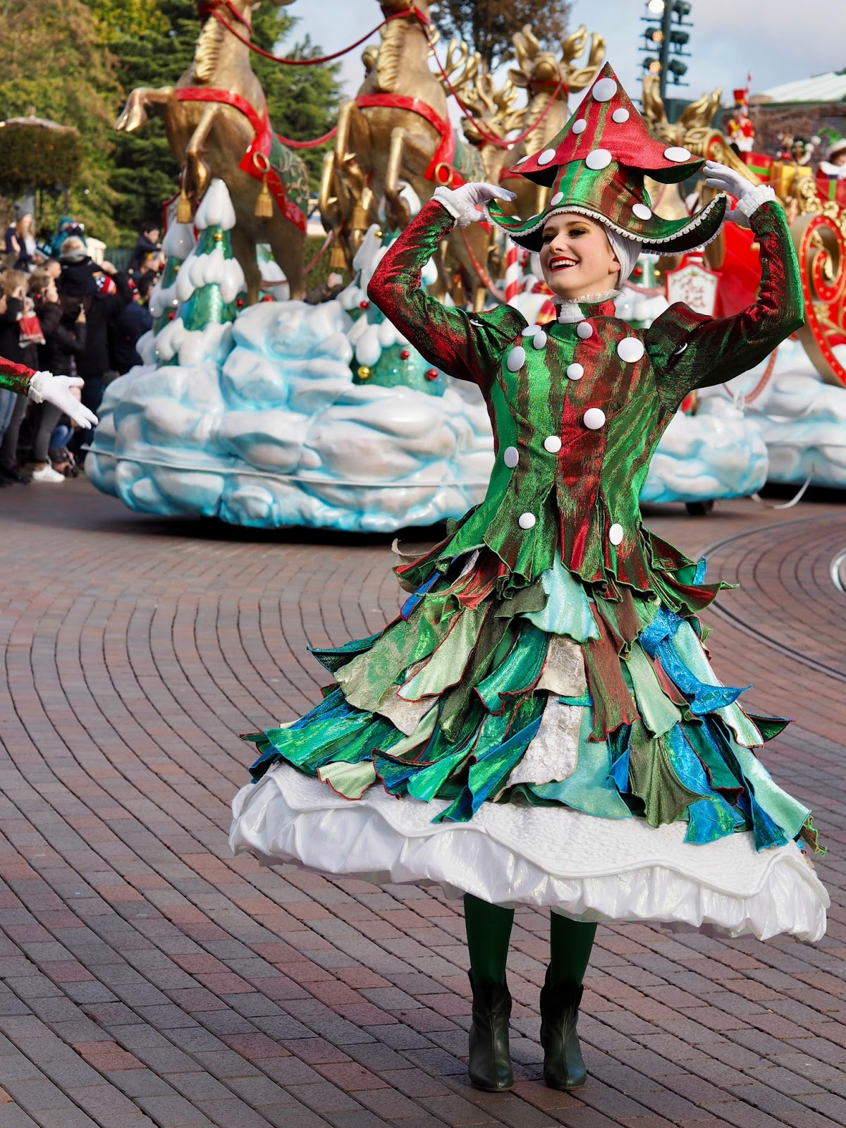 Disneyland Paris dancer