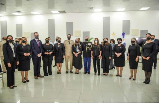 Ministerio de la Mujer rinde homenaje póstumo a soldado dominicana muerta en Kabul