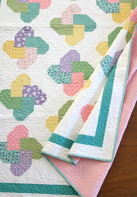 Winsome quilt pattern from the Fresh Fat Quarter Quilts book by Andy Knowlton of A Bright Corner - pretty spring twin size quilt using only 10 fat quarters