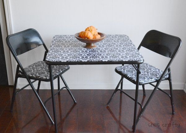 How to recover a folding table and chairs
