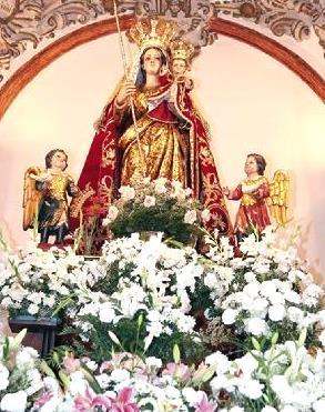 Foto a la Virgen de la Candelaria rodeada de ángeles