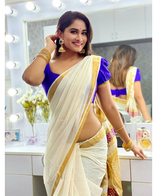 Shivani Narayanan Saree Photos
