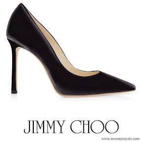 Kate Middleton wore Jimmy Choo Romy pumps in black velvet