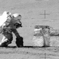Evidências incríveis: O Homem nunca esteve sozinho na Lua