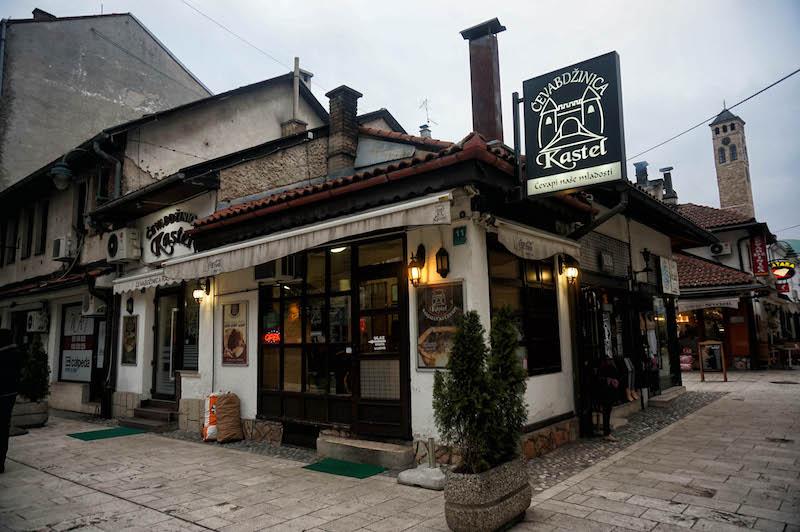 jedzenie w Bośni, jedzenie na Bałkanach, podróż do Bośni, podróż na Bałkany