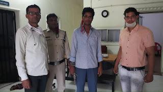 दो माह से फरार अपराधी को पकडने मे पुलिस को मिली सफलता