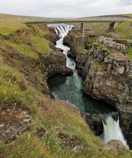 Cascada Kolugljúfur, Islandia, Iceland.