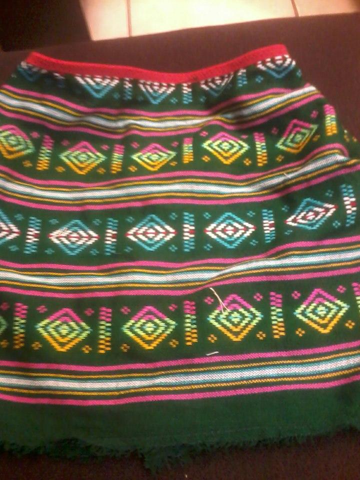 Si puedes mexicana en faldita mamando verga en la calle - 1 2