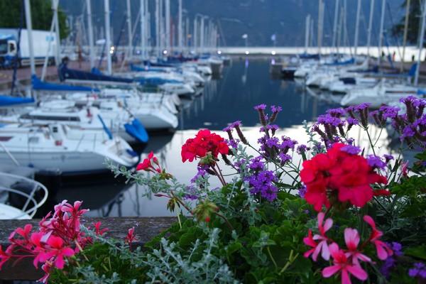 savoie aix-les-bains lac bourget port