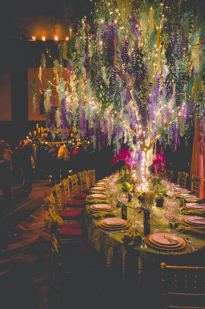 Set Christmas Table