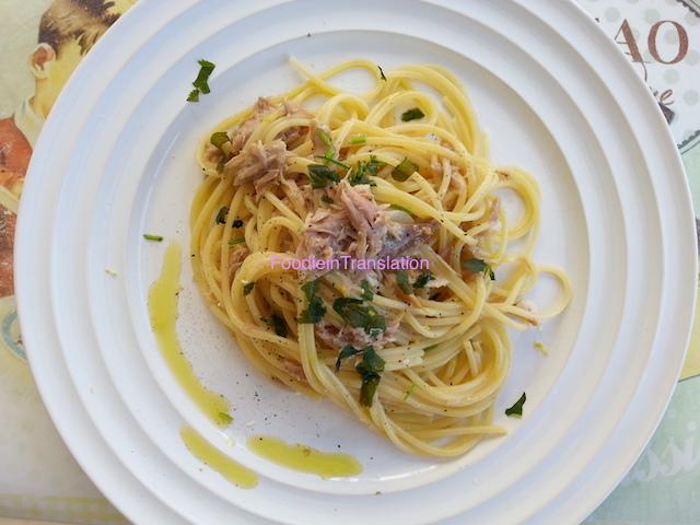 Spaghetti con la ventresca di tonno
