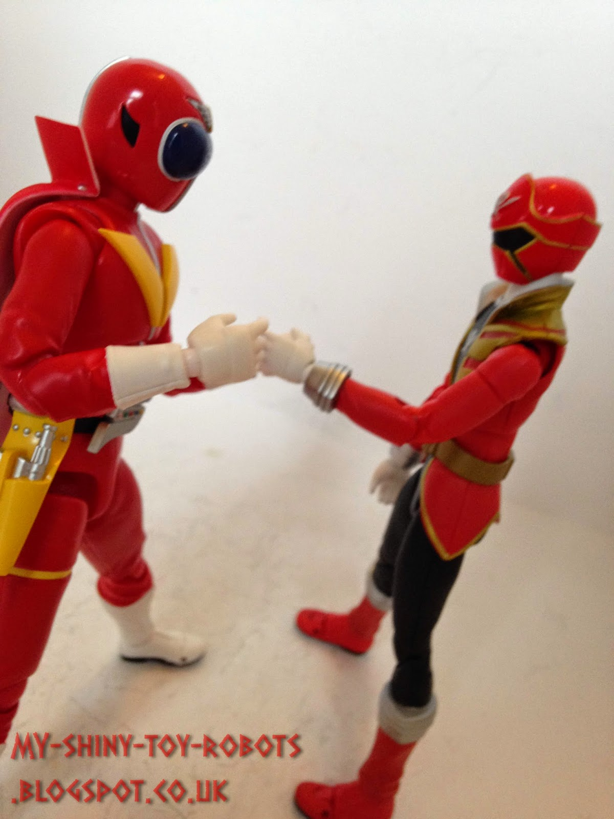 Akaranger meets Gokai Red