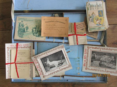 Contenu de la malette jeu « La Petite Maîtresse d'Ecole, édition 1912 (collection musée)