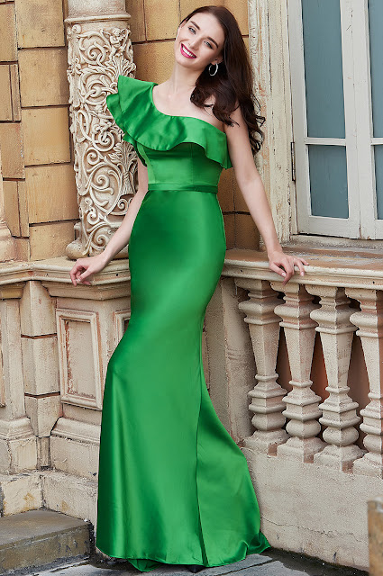 new impressive green prom gown