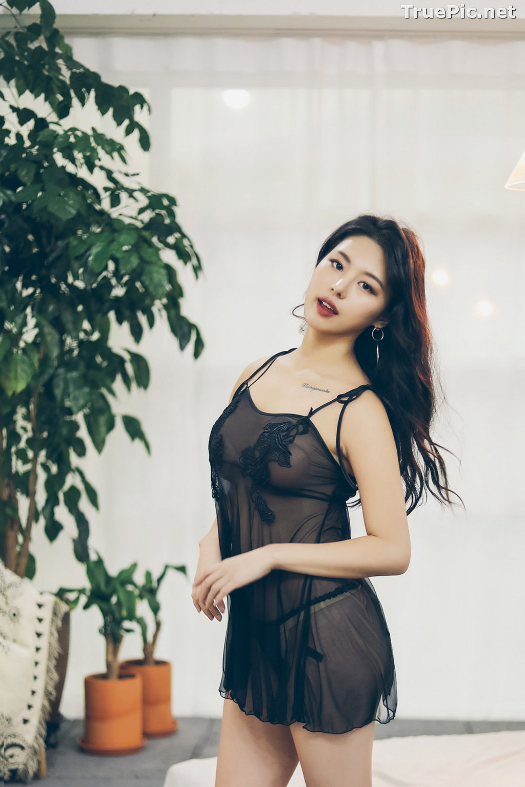 Image Jung Yuna - Korean Fashion Model - Black Transparent Lingerie Set - TruePic.net - Picture-1