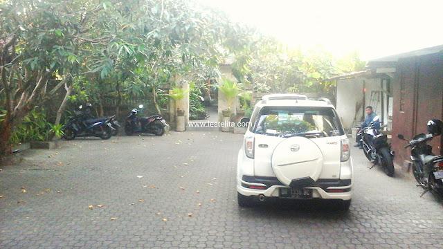 Tempat Parkir Hotel Yulia Inn, Ubud, Bali