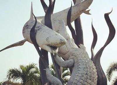 Ikon+kot+a+Surabaya+patung+monumennya