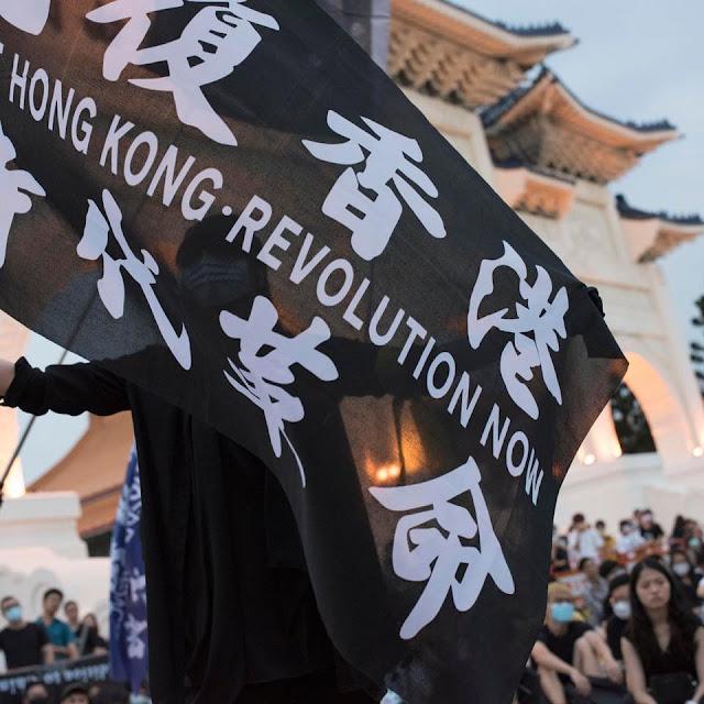 """Mỹ """"cấm cửa"""" các quan chức TQ làm """"xói mòn"""" quyền tự trị của Hong Kong"""