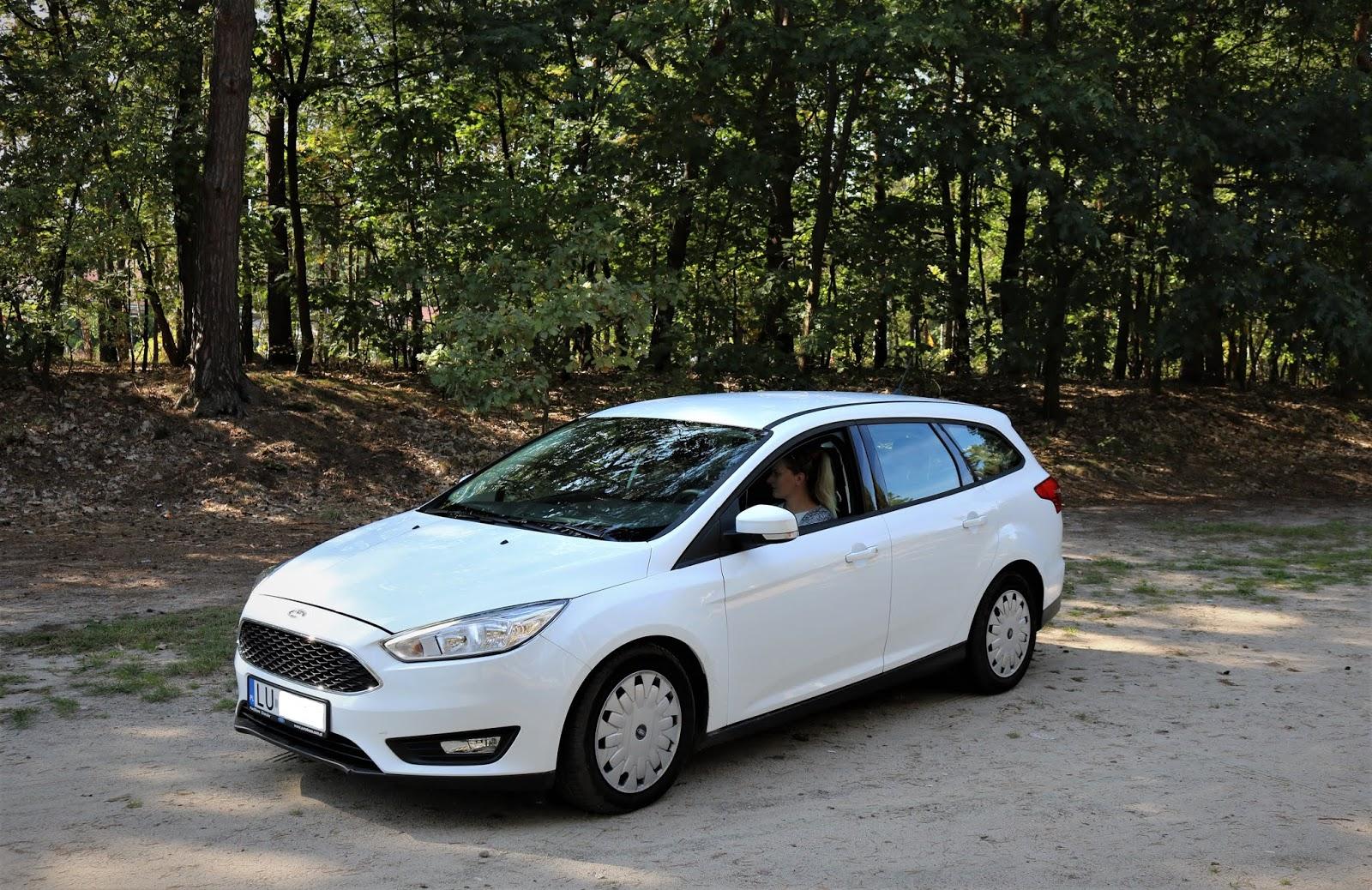 samochód dla rodziny 2+2 ford